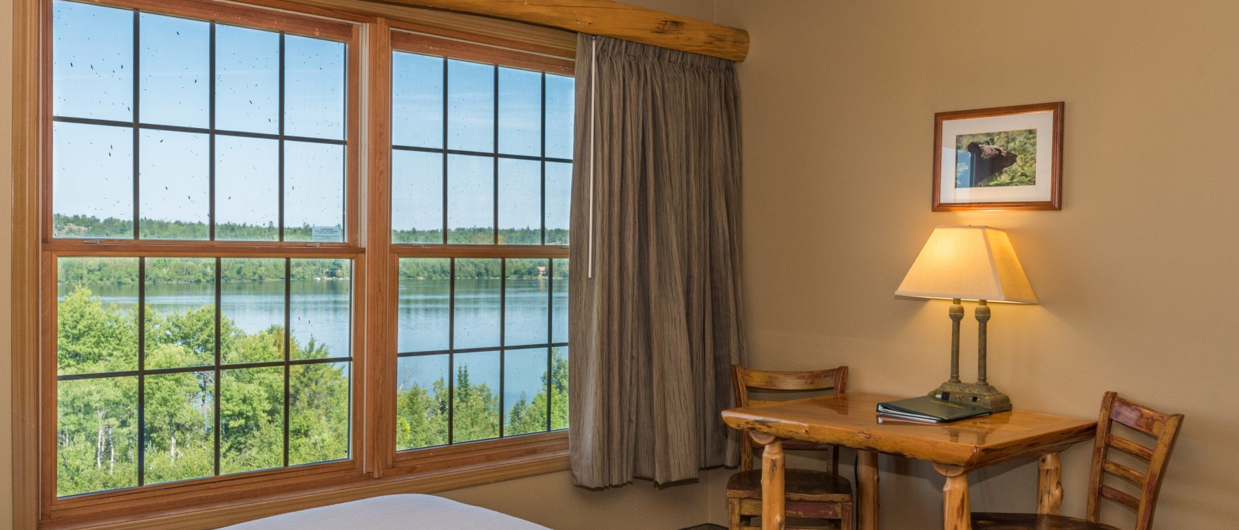 Lake view Lodging at Grand Ely Lodge