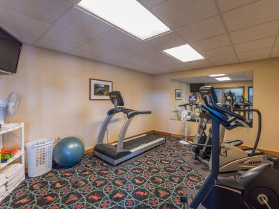 Spacious Fitness Center at Grand Ely Lodge